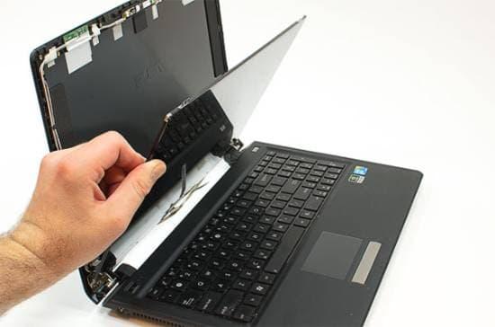 Khuyến khích nên đi cùng người thân có kinh nghiệm về chọn lựa laptop
